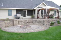 backyard-firepit-patio