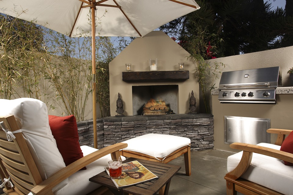 Creating the Fall Outdoor Living Space of your Dreams