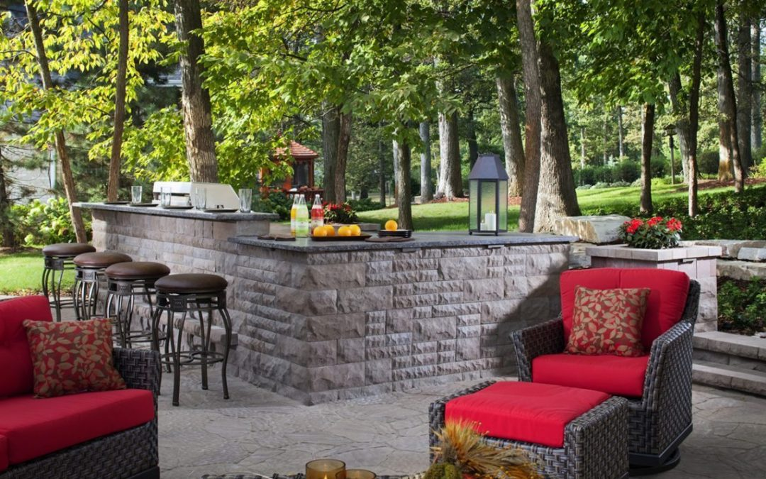 The Benefits of Having a Retaining Wall in Your Home's Landscape